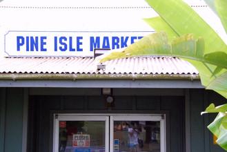 """Pine Isle Market"""