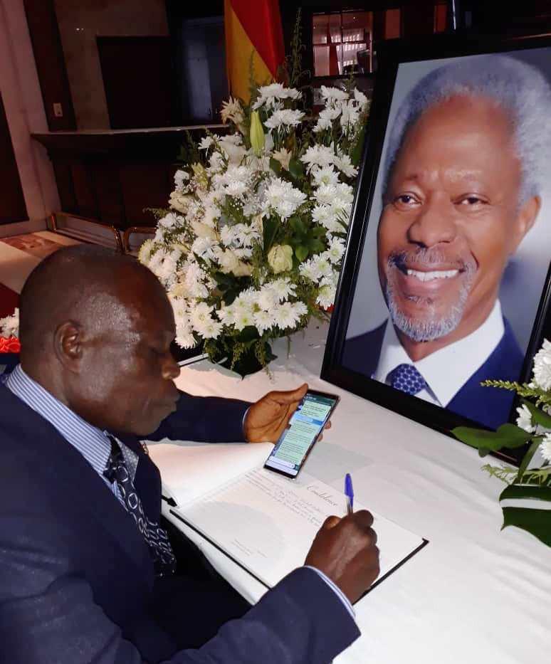 GUNA signs Kofi Annan Book of Condolence