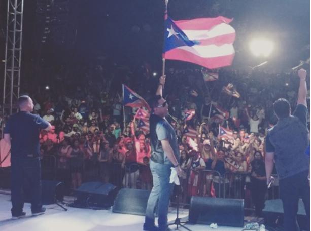 Exito total ! Limi-T21 en el Puerto Rican festival of Massachusets