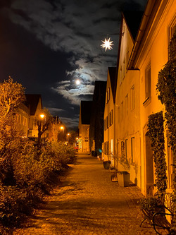 Weihnacht vorm Haus
