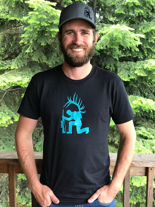 Kneeling Hunter T-Shirt (black)