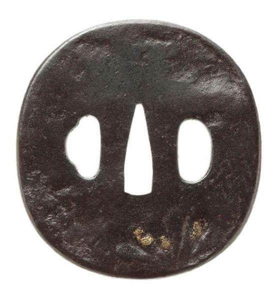 桐菊紋図鐔  銘 関義則(花押)