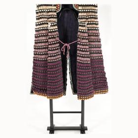 裾濃紫色糸縅小札陣羽織