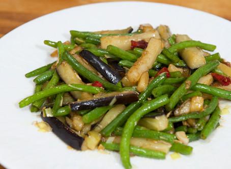 Sauté d'aubergine et haricots verts