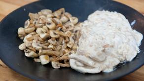Blanc de poulet en sauce et champignons