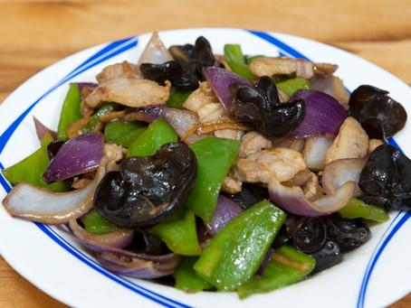 Porc sauté aux champignons noirs et légumes