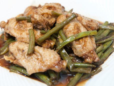 Ailes de poulet sautées haricots verts