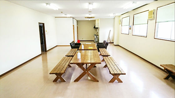 岐阜県中央家畜市場(岐阜県家畜商協同組合)の出荷者兼購買者控え室