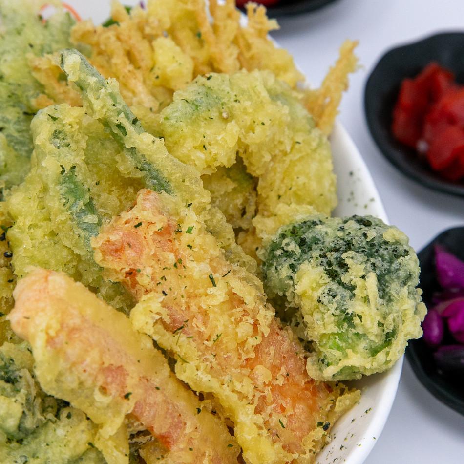 B18_veggies_tempura_bowl.jpg