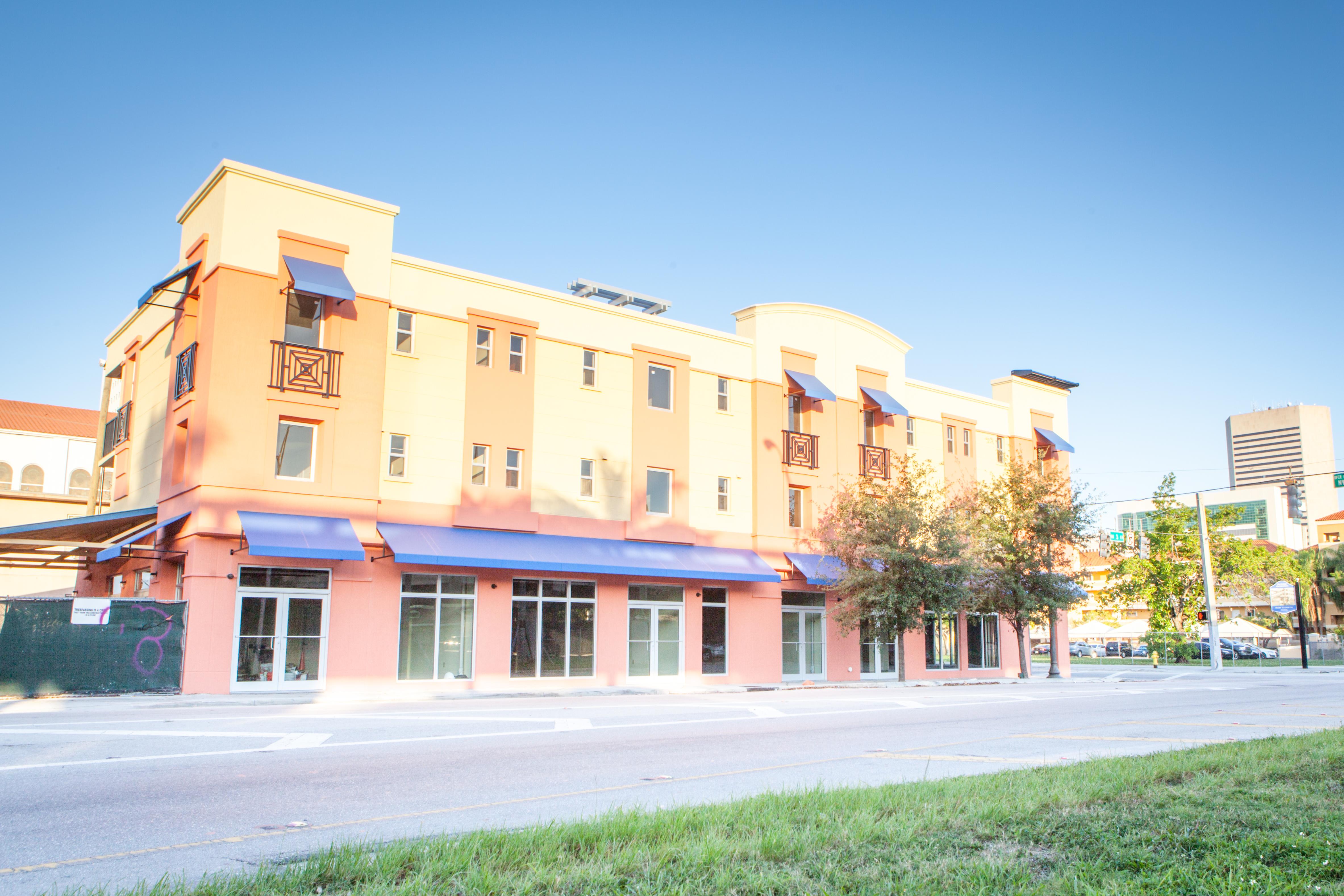Carver Shops Apartments