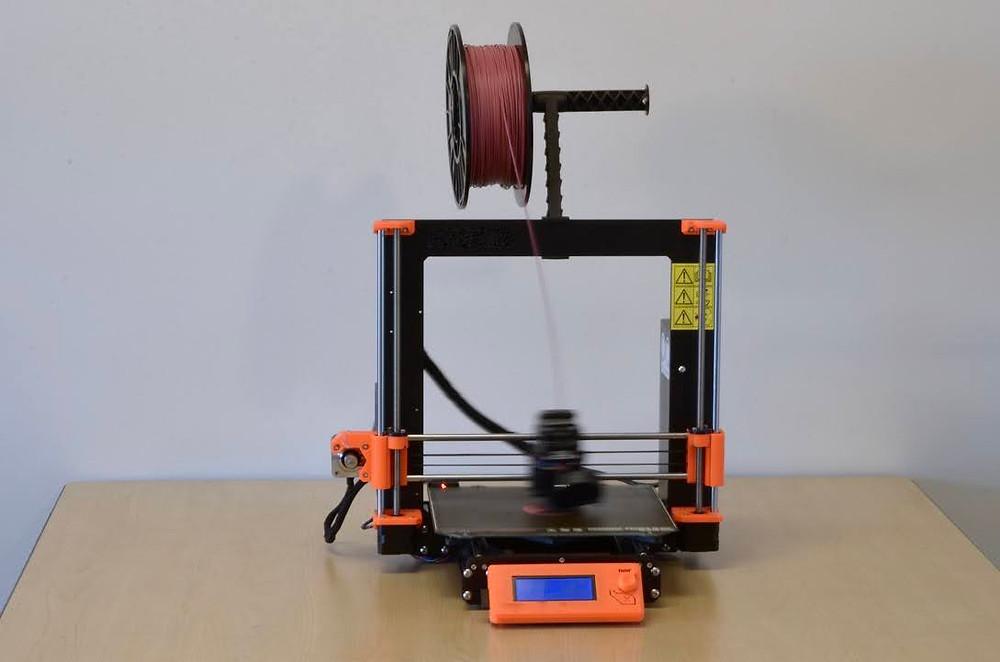 3D printer using CLP U-HIPS filament while printing