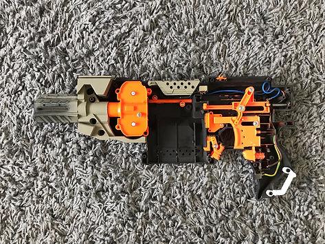 Modding a Stryfe to an H&K MP5 in Tan/Desert camo