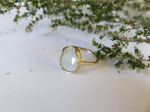 Natural Aquamarine  Solid 9ct Gold Ring