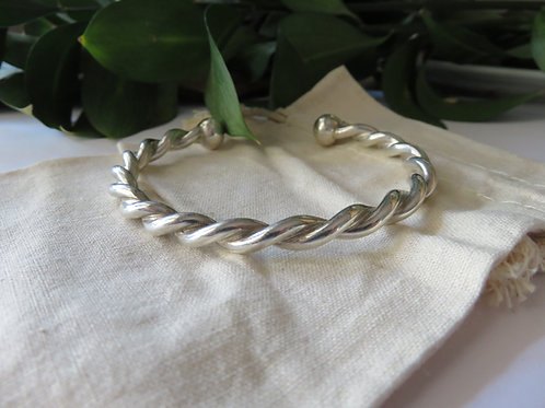 Solid Twisted Wire Men's Bangle