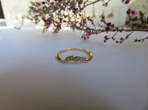 Dainty Leaf Stack Ring