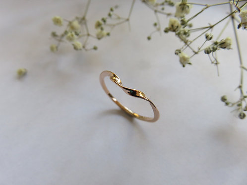 Curved Twisted Stack Ring