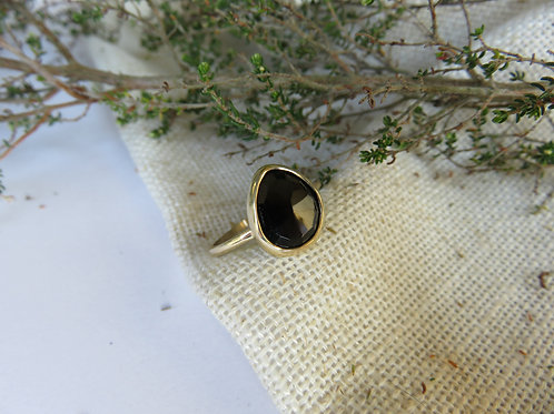 Natural Black Onyx 9ct Gold Ring