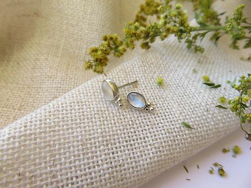 Fyn Moonstone Stud Earrings