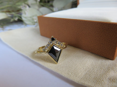 1.22ct Black Diamond and Diamond stack ring in 9ct yellow gold