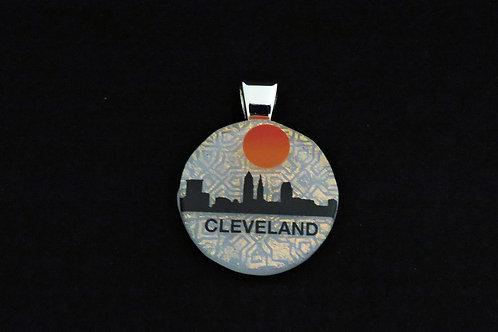 O046 Cleveland Skyline w/sun Pendant