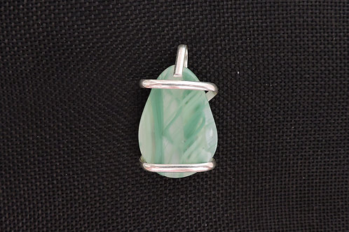 P067 Green & White Rod Pendant