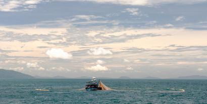 12-021-134 Ikan bilis fishing-edt1 (web res).jpg