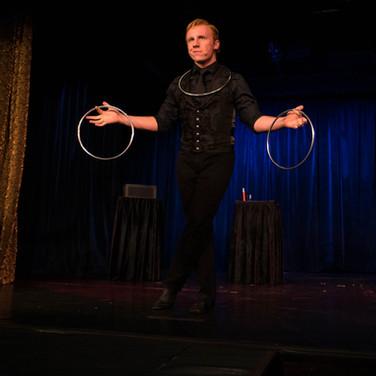 Elliott Hunter: Rings at the Magic Castle