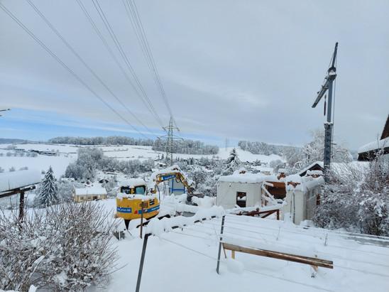 Die Baustelle steht wegen dem vielen Schnee still