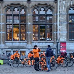 Gent, Koornmarkt.  New economy. Arround 18:30.