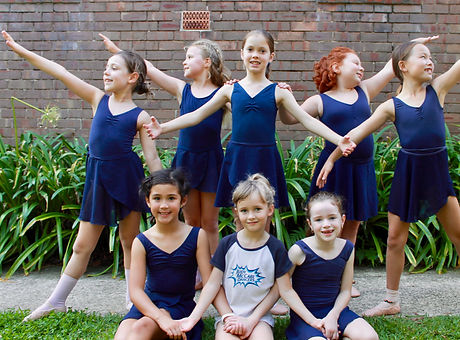 small ballet kids pose.jpg