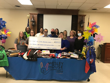 Leadership Lauderdale gives donations to  local organization.