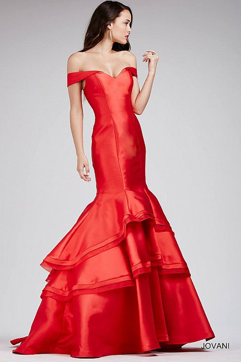 Bold Dresses for Prom