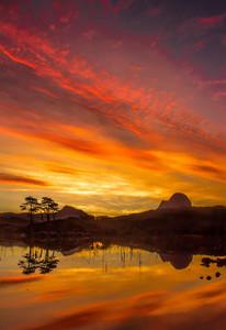 Dawn Loch Druim Suardalain ref 2146