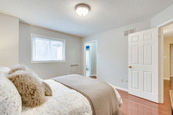 3593 Colonial Dr-57