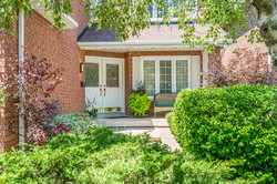 3111 Dover Cres-03