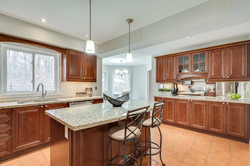 3593 Colonial Dr-32