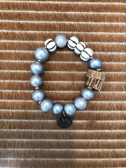 freshwater grey pearl bracelet + labradorite