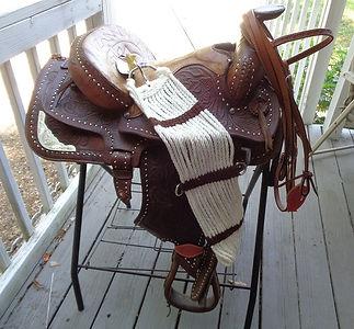 Buckstitch saddle.jpg