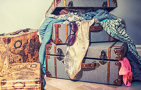 suitcase-4410369_1920.jpg
