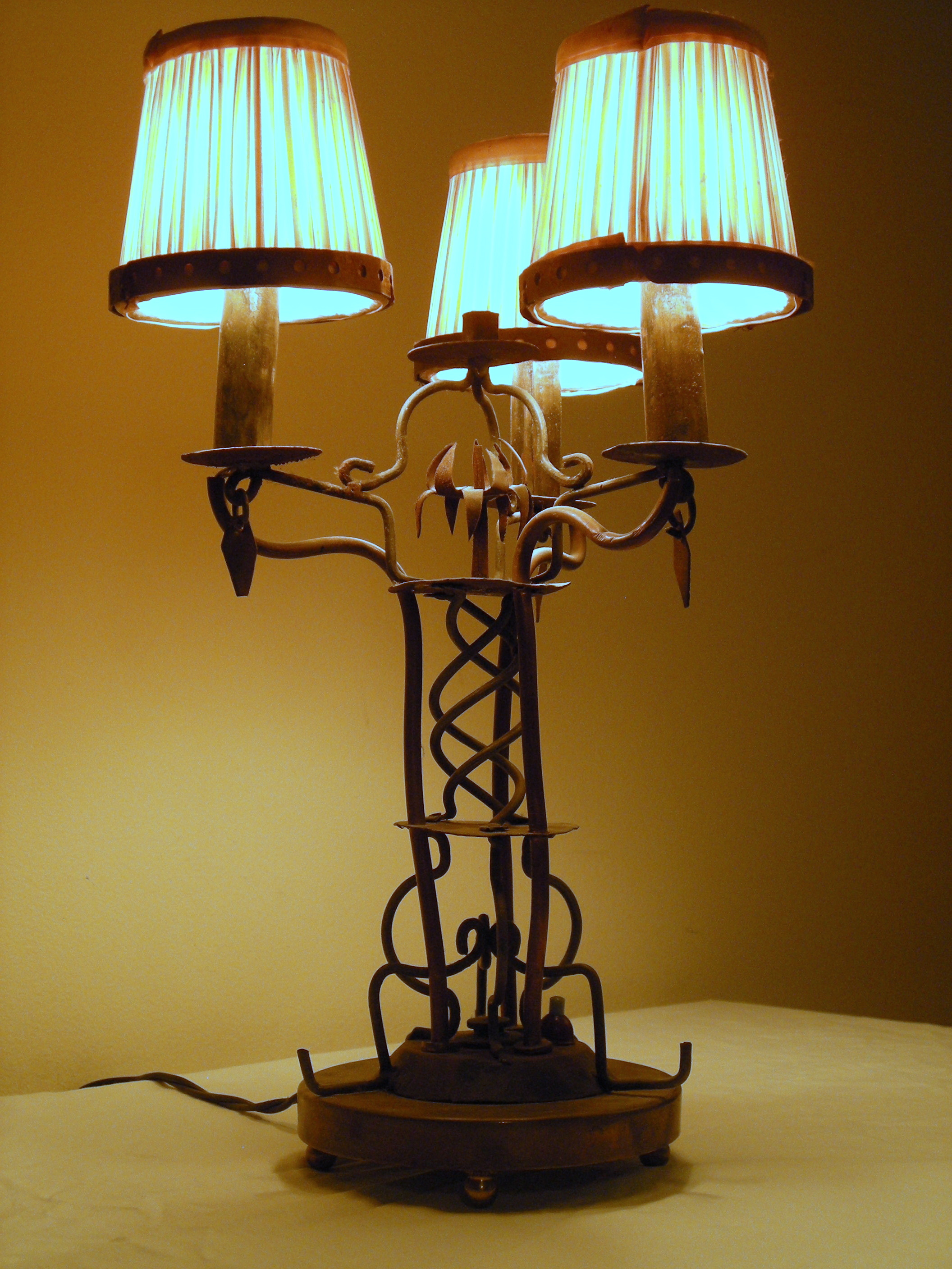 Folk Art Candelabra Table Lamp