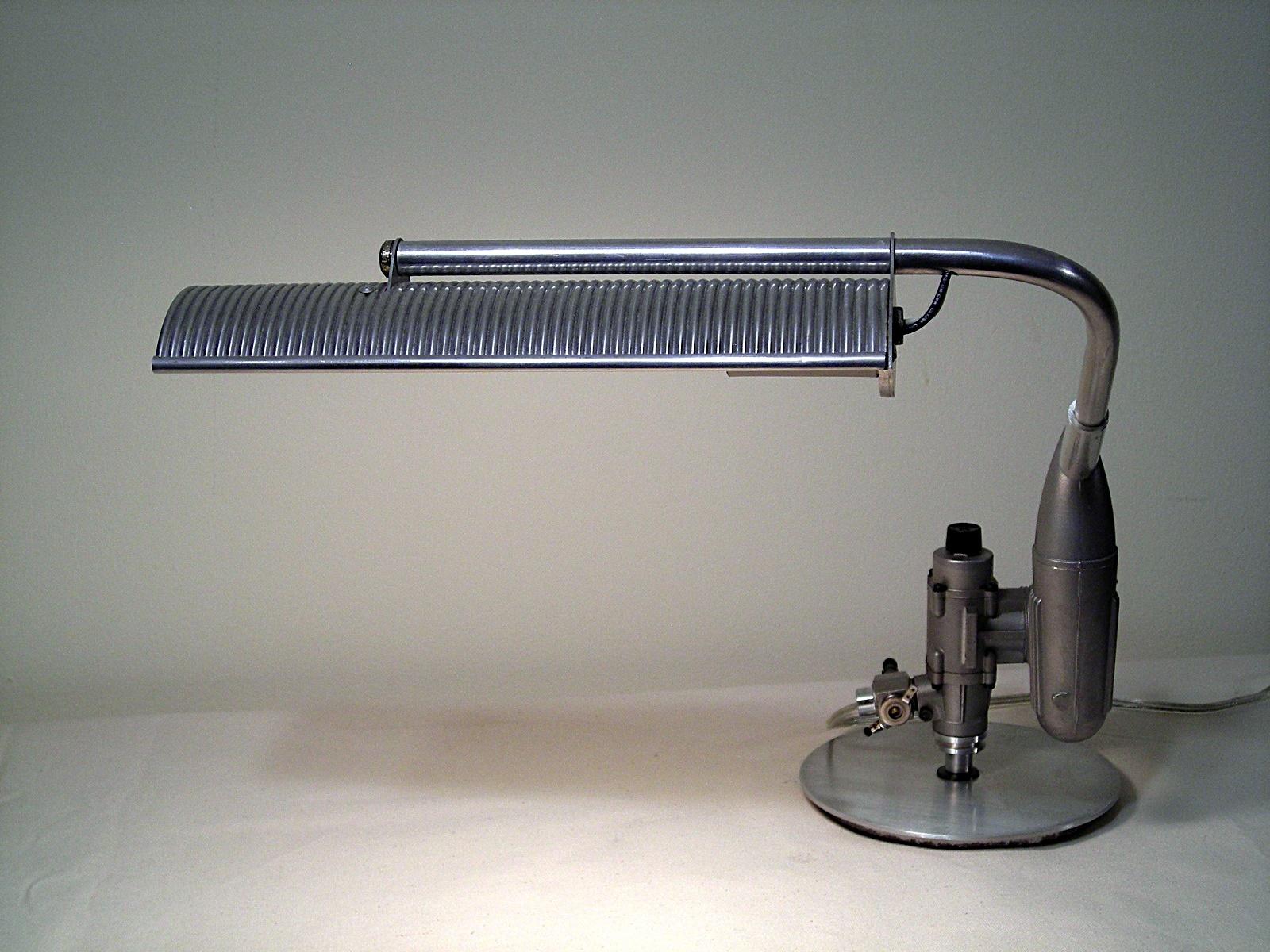 Magnum Desk Lamp