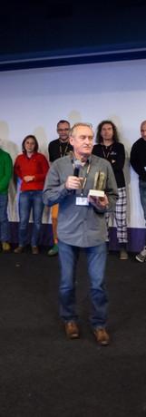 Krzysztof Wielicki otrzymuje nagrodę podczas XV Dni Lajtowych