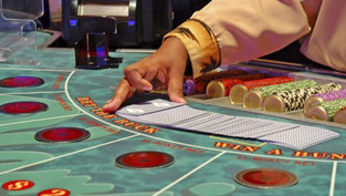 Chia sẻ luật chơi bài Baccarat online và bí quyết chơi dành cho người mới tham gia vào game