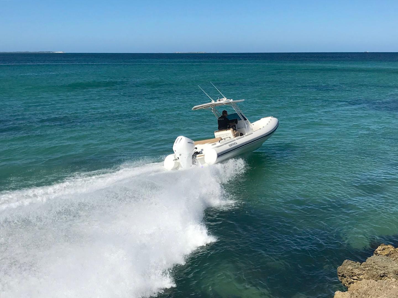BRIG Eagle 670 on water
