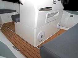 BRIG Navigator 485 centre section