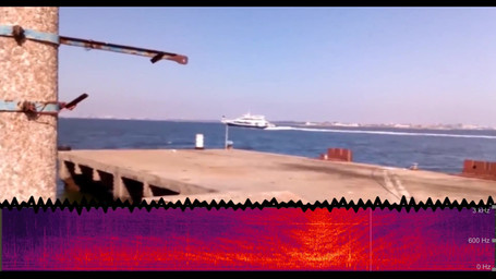 Boat passing-by (video and underwater noise)