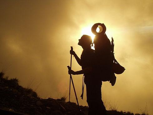 trekking-245311_1280.jpg