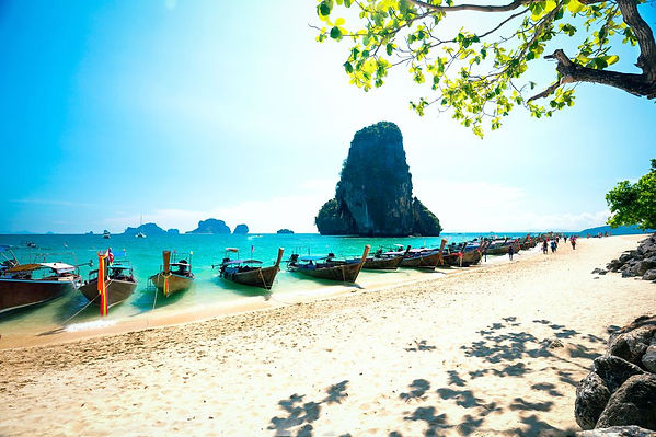 longtale-boats-on-railay-beach-in-krabi-