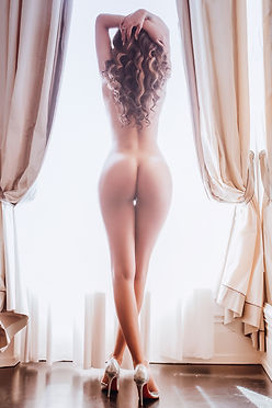 boudoir-back-Window (1).jpg