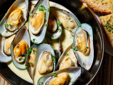 Pan Seared Mussels + Loaf